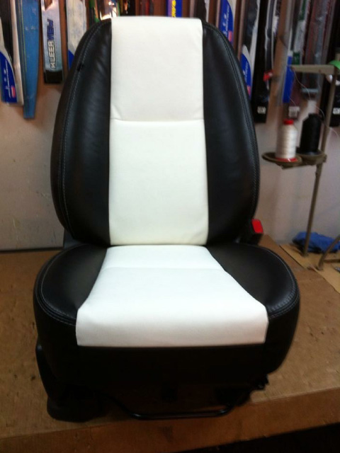 Two-tone leather bucket seat